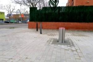 Pilona automatica en comunidad de vecinos